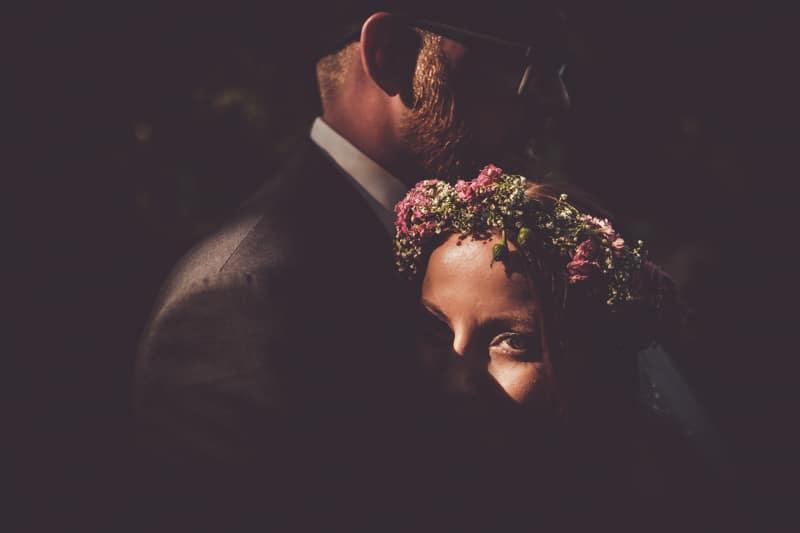 Brautpaarshooting im Schatten