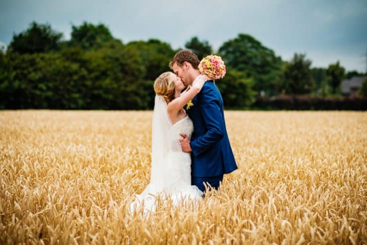Brautpaarshooting im Kornfeld