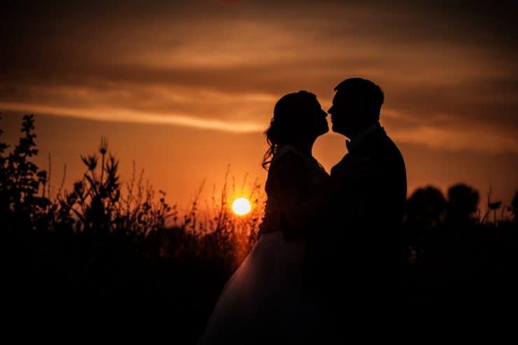 Brautpaarshooting bei Sonnenuntergang